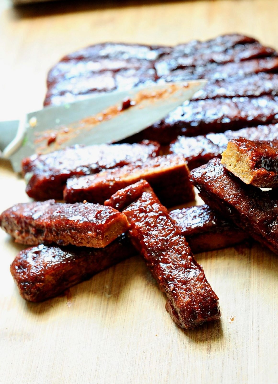 Sticky, smokey, vegan Bbq Seitan Ribs.