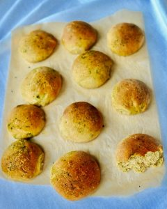 Pesto Dinner Rolls to Make for the Holidays (Vegan)