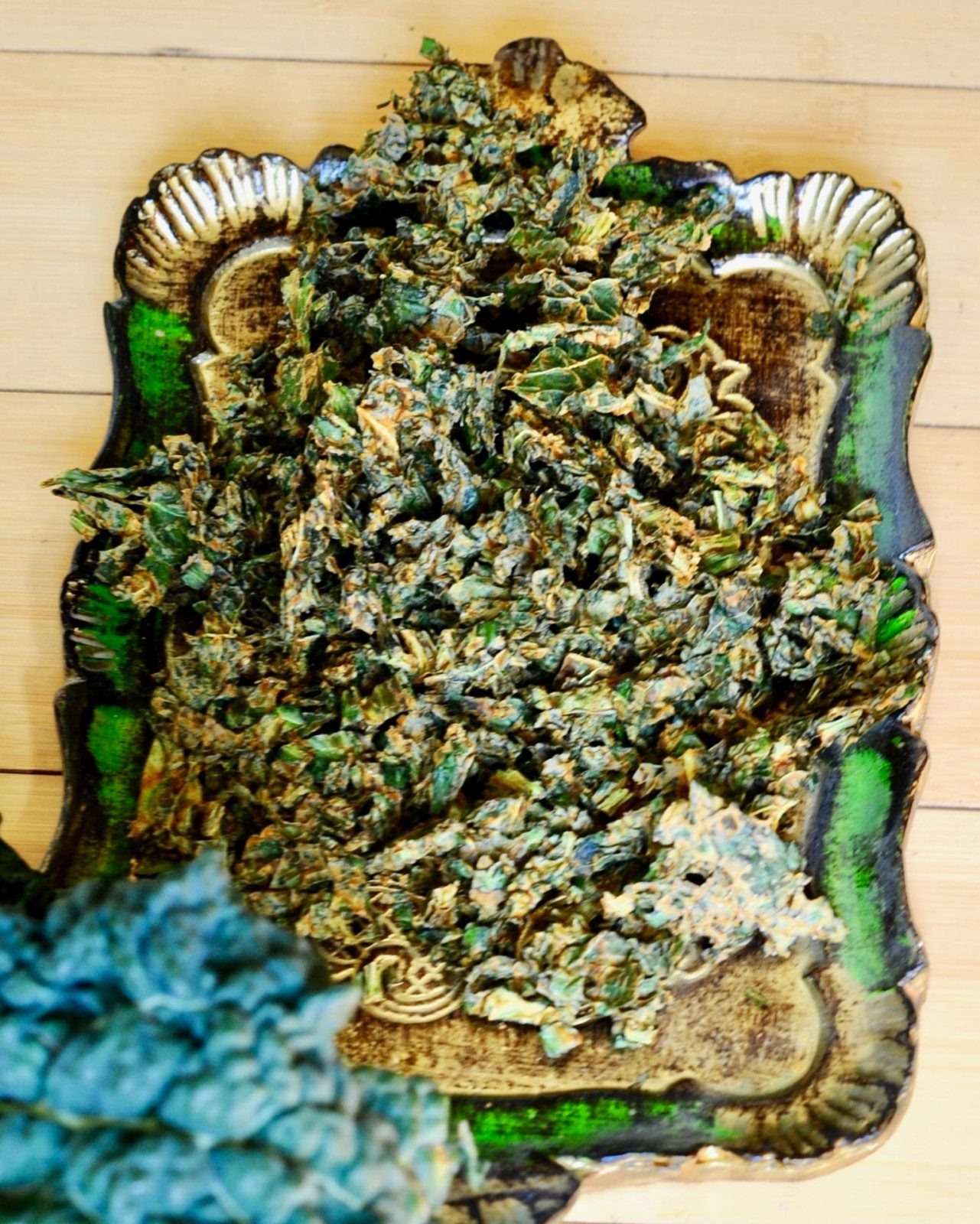 Super Cheesy Baked Vegan Kale Chips